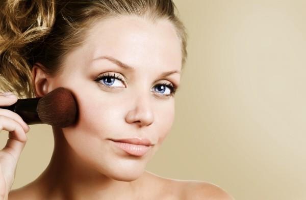 Естественный макияж для круглого лица