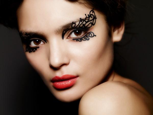 Элегантный макияж-рисунок для фотосессии
