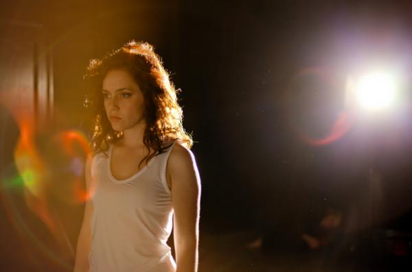 Особенности съемки в студии, фоны для студийной съемки.